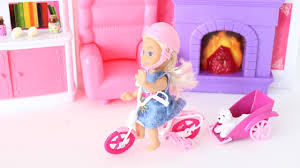 Barbie Living Room Playset by Barbie U0027s Kid Playing In The Living Room Tia Tia Youtube