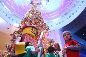Check Out This Cool Cubs Christmas Tree At Museum Of Science And