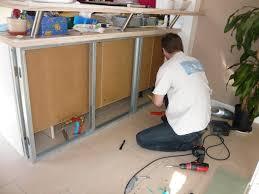 peinturer un comptoir de cuisine meuble mural en bois é gris clair comptoir de cuisine élégant et