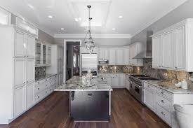 cuisine avec grand ilot central superb cuisine avec grand ilot central 2 cuisine avec ilot