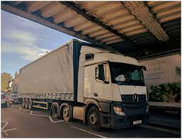 100 Truck Stuck Under Bridge Articulated Truck Stuck Under A Low Bridge During The Leve Flickr