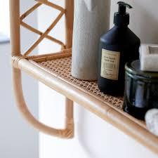 regal aus rattan für das badezimmer marius
