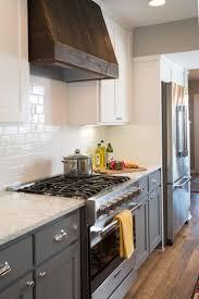Kitchen Tile Backsplash Ideas With Dark Cabinets by Best 25 Fixer Upper Kitchen Ideas On Pinterest Fixer Upper Hgtv
