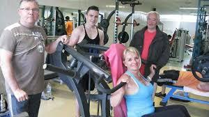 salle de musculation vannes de nouvelles machines au club de musculation
