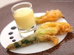 cuisiner fleur de courgette tempura de fleurs de courgette la recette illustrée