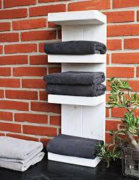 badregal aus holz farbe weiß maße hxbxt 70 cm x 23 5 cm x 17 cm vintage handtuchhalter sehr schmal hängend oder stehend verzaubert
