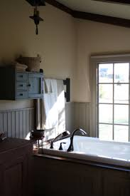 Primitive Decorated Bathroom Pictures by 302 Best Colonial And Primitive Bathrooms Laundry Rooms Images On