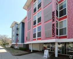 100 Coronet Apartments Milwaukee The London House WI Com