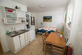 100 Studio House Apartments Central Guesthouse