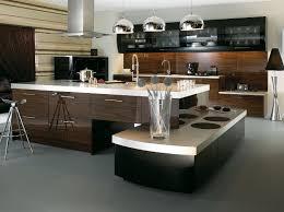 cuisine marron et blanc aménagement cuisine moderne quels design et matériaux