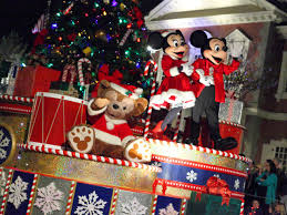 Parade Float Decorations In San Antonio by Top 7 Theme Parks For The Holidays Travelchannel Com Travel