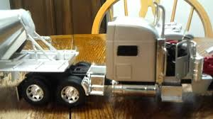 1:32 Scale Brand New Peterbilt 389 From New Ray - YouTube Truck New Ray Peterbilt 387 132 3 Assorti 47213731 Trucks Bevro Intertional Webshop Diecast Stock Pile Upc Barcode Upcitemdbcom Kenworth W900 Double Dump Black 11943 Scale Dc By Nry10863 Toys Newray 143 Man F2000 Transporter Redlily This Tractor Toy Newray Is Perfect Ktm Factory Racing Team Red Bull By Model 379 Semi Dirt Long Hauler Trailer Buy Plastic Remote Control With