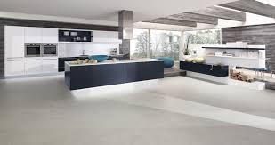 cuisine blanche ouverte sur salon meilleur de cuisine grise et bois luxe décor à la maison