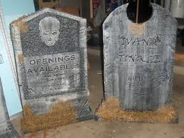 Diy Halloween Wood Tombstones by Make Halloween Tombstones Halloween Decoration How To Make A
