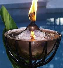 Citronella Oil Lamps Diy by 4 Tiki Torch Fuels 2 New Alternatives Firefly Fuel Blog