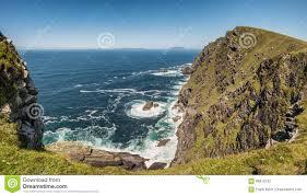 100 Bray Island Head And The Atlantic Ocean On Valentia Ireland Stock