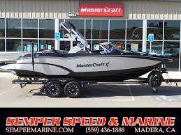 2018 Mastercraft X23 SILVER FLAKE & BLACK Power Boats Inboard Madera ...
