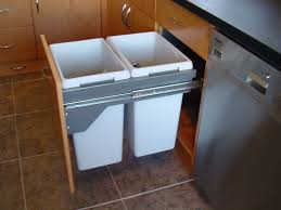 Under Cabinet Trash Can Holder by Trash Can Under Sink Pull Out Trash Can Under Sink Organizer