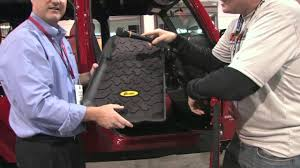 Quadratec Floor Mats Vs Weathertech by Bestop Jeep Floormats Youtube
