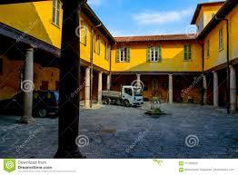 100 Court Yard Houses Italian Yard Of The Yellow Stock Photo Image