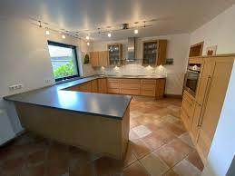 nolte küche mit echtholzfronten birnbaum und marken geräten