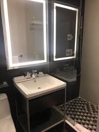 chambre et la chambre et sa vue picture of ameritania hotel york city