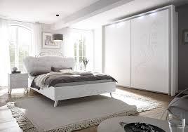 schlafzimmer weiss verzierung kunstleder nivera1
