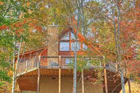 Looking Up At The Back Of Picture Perfect Hideaway A 2 Bedroom Cabin Rental Located In