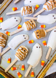 Healthy Halloween Candy Tips by Halloween Banana Popsicles