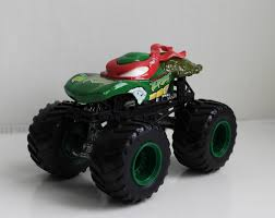 100 Tmnt Monster Truck Squers TMNT Collection 2009 HOT WHEELS MONSTER JAM TMNT RAPHAEL