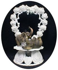 tortenfiguren playful elephant safari wedding cake topper
