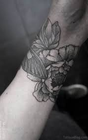 80 Lovable Flower Tattoos For Wrist