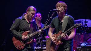 Tedeschi Trucks Band Welcomes Trey Anastasio At 2017 Beacon Theatre ...