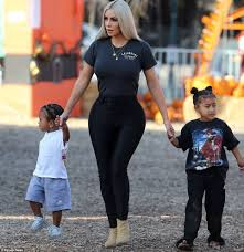 Johnson Brothers Pumpkin Patch Christmas Trees by Kim Kardashian Takes North And Saint To Pumpkin Patch Daily Mail