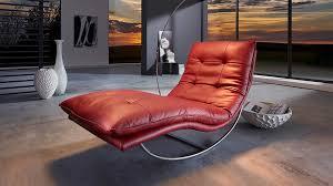 leder designliege relax schaukelliege in rubinrot