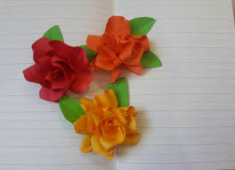Paper Flowers Are Simple Quick And Inexpensive They A Thoughtful Hand Made Gift That Is Easy To Customize Looks Beautiful Can Last Long Time