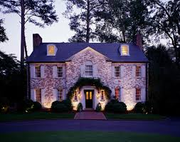 Giving Outdoor Lighting This Holiday Season is Like Giving a Gift