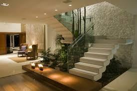 treppe mit glasgeländer für schickes interieur archzine net