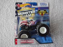 Hot Wheels Special Holiday Edition Grave Digger Off Road Monster Jam ... Pictures Of Monster Trucks Save First Female Cadian Truck 2011 Jam Series Hot Wheels Wiki Fandom Powered By Wikia Shark Shock Diecast Vehicle 124 Scale Sonuva Digger Vs Wreak Carro Attack Road Rippers Youtube Remote Control Wwwtopsimagescom 164 2pack Vs Amazoncouk 2002 Original Grave With Pinewood Derby Car Wooden Thing