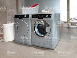 waschmaschine und trockner im badezimmer stockfoto und mehr bilder arbeitsplatte