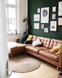 bilderwand im wohnzimmer foto wand sofa teppich