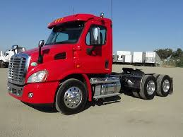 FREIGHTLINER TANDEM AXLE DAYCABS FOR SALE IN FONTANA-CA