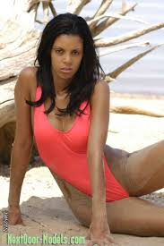 Next Door 模型Naomi 泳装热 e Piece æ³³è£…æ³³è£…æ¨¡åž‹ç…§ç‰‡ä ŽCornie916