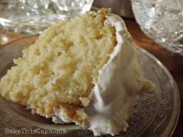 The Wel e Cake – A Vintage Crushed Pineapple Cake with Fluffy