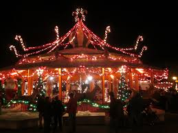 TR Busch Garden s WIlliamsburg Christmas Town Theme Park Review