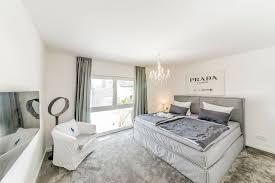 schlafzimmer mit teppichboden fischerhaus fertighäuser