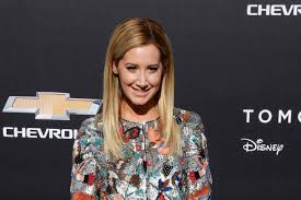 The Cast Of Sweet Life On Deck by Ashley Tisdale Reunites With