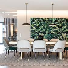offener wohn essbereich mit akzenten in azur grün hoaté