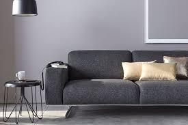 canapé gris foncé quelle décoration avec un canapé gris anthracite