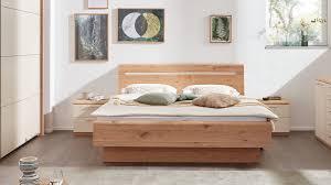 interliving schlafzimmer serie 1013 doppelbettgestell mit nachtkonsolen
